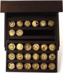 1979年美国自然遗产银章套装,内有26枚一安士24K包金银章,不同程度的氧化,附原装木盒一个