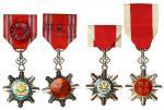 民国八等嘉禾勋章两枚,银质珐琅,保存甚佳